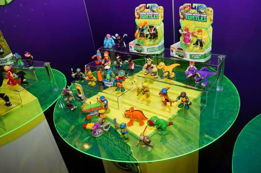 New York Toy Fair 2015 Half Shelf Heroes 2
