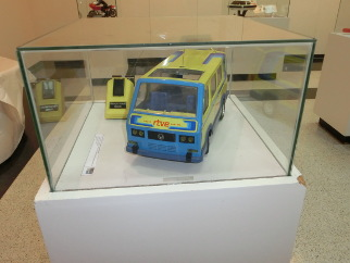 Exposición de juguetes furgoneta rtve juguete