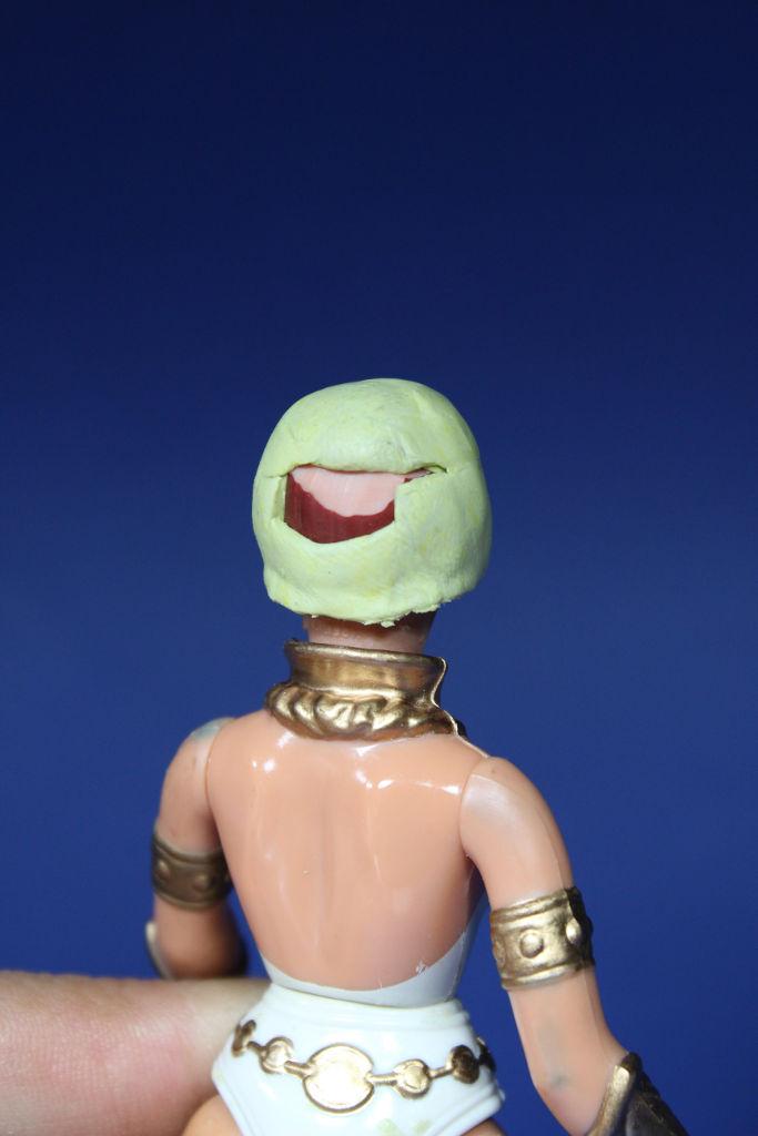 Teela trasera cabeza masilla