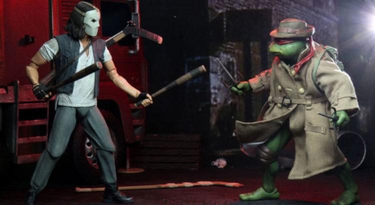 Casey Jones y Raphael con gabardina de Neca en acción