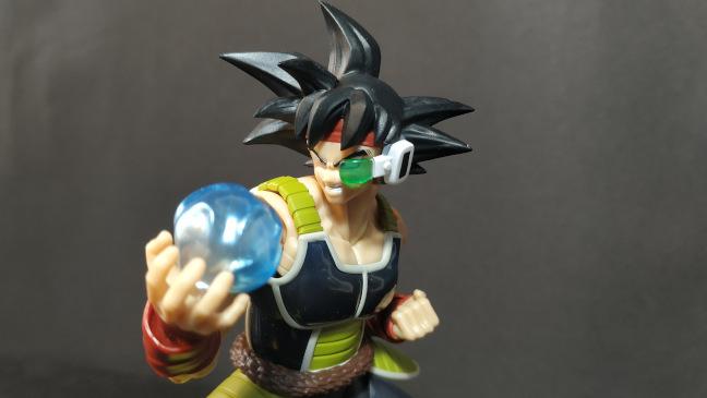 Imagen de la figura Bardock con su efecto de energía