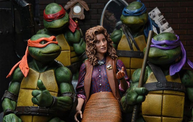 Imagen de la figura de April O'Neil con las tortugas de Neca